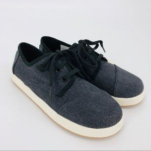 NWT Toms Black Washed Canvas Sneakers Boys 1.5